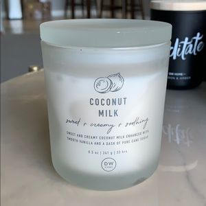 DW home coconut milk candle 8.5 oz